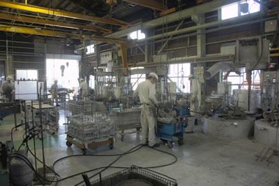 金型鋳造機